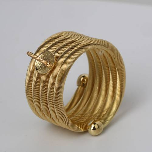 18k gold screw wide ring mounting
