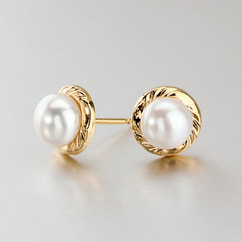 18k gold freshwater button pearl stud earrings