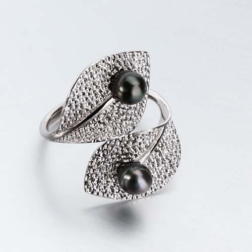 925 sterling silver black pearl leaf ring
