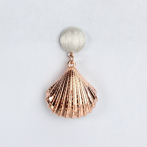 Sterling silver disc conch shell earrings