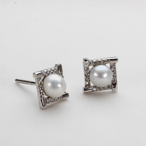 Cubic zirconia pearl silver square stud earrings